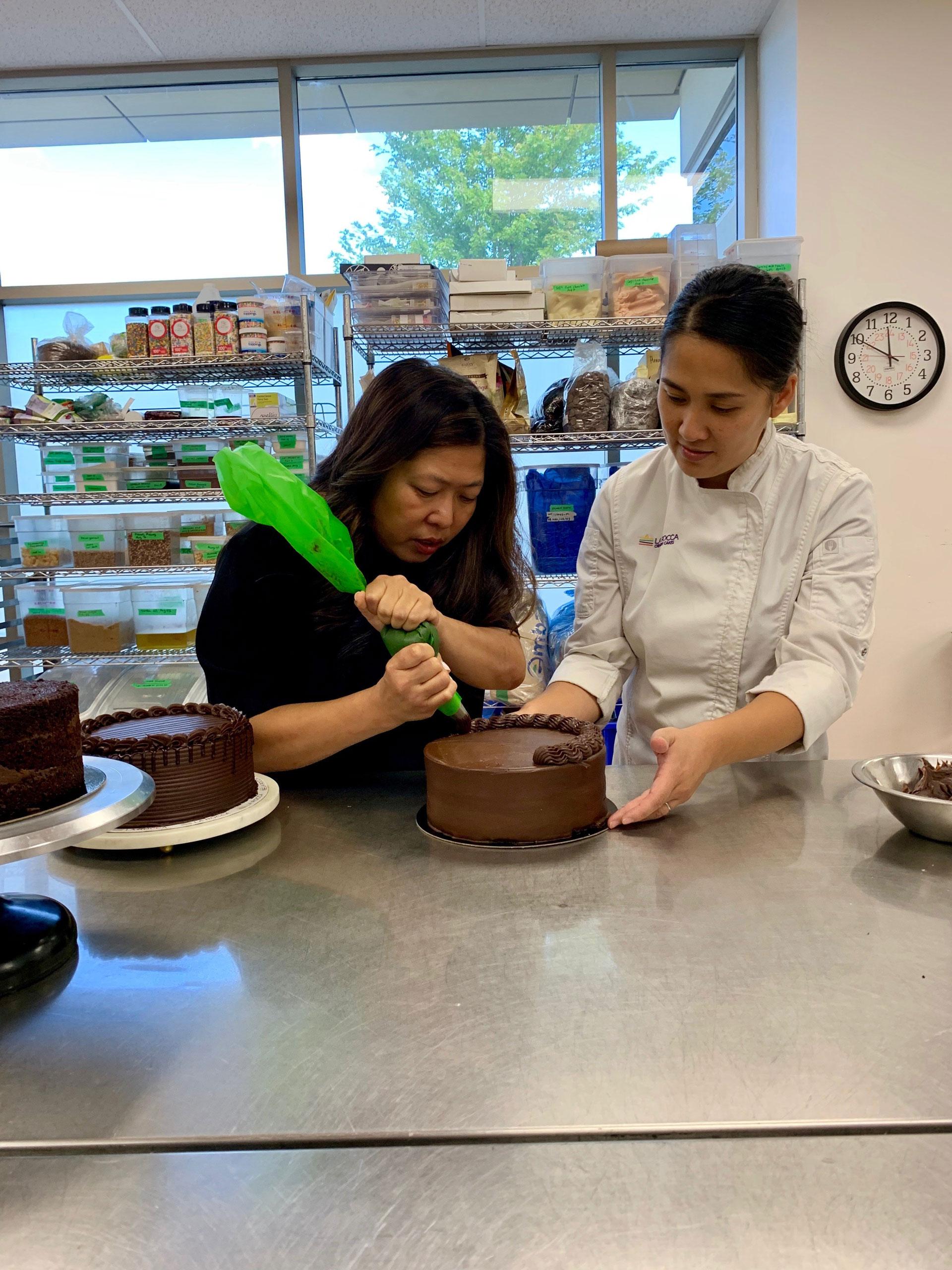 La Rocca Cake making